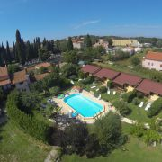 Country Club bungalowy z basenem