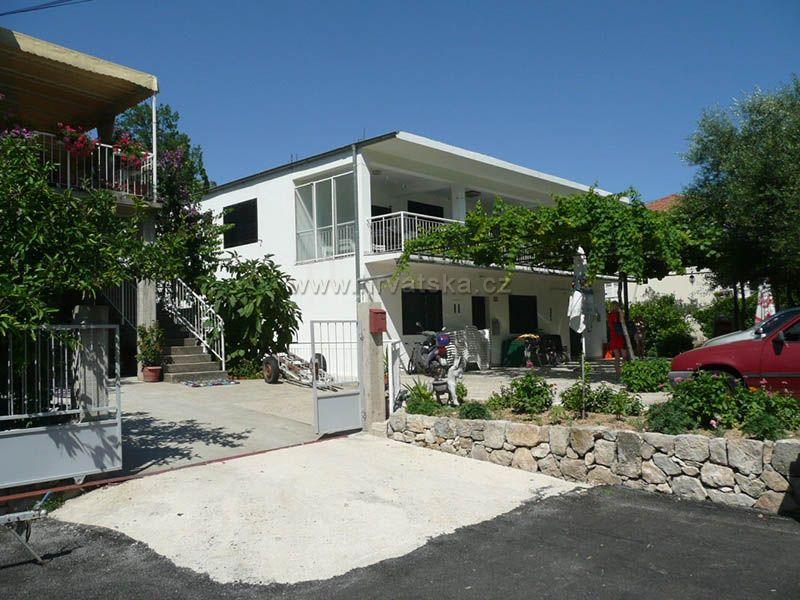 Dom Ivandić