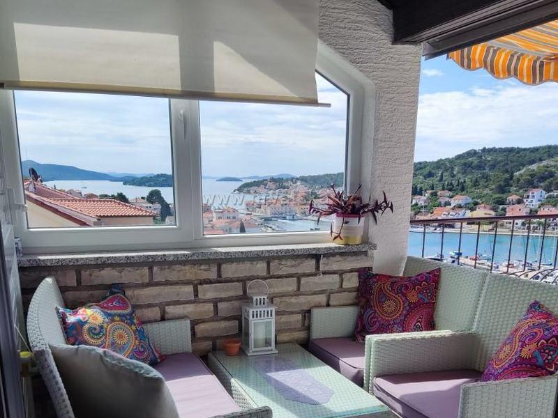 Apartament Radonic Tisno-Murter